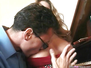 Playgirl performs worthwhile oral-job, gets love tunnel licked and banged