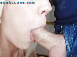 Kacey is a charming Twenty one year old golden-haired and this chick is returned for her second visit to Non-professional Allure. This time I am gonna give her the full facial experience. As this chick is bobbing my shlong that chick tells me this will be her First c