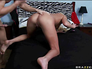 Man fingers a-hole of his girlfriend before fucking her cum-hole