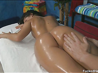 Pretty 18 year old cuteie acquires fucked hard by her massage therapist